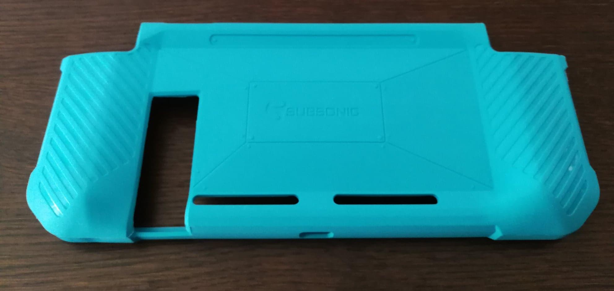 Bumper Case avant l'installation sur la console